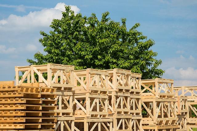 boxy ze dřeva
